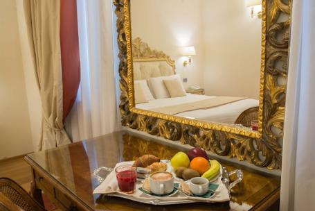 Hotel Atlantic Palace | Florence | Enjoy our breakfast in room